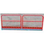 5. La ringhiera sulla rampa è un passaggio sicuro per i pedoni grazie a un binario alto 1000 mm. Sono installati al posto della scherma base (altezza 250 mm).