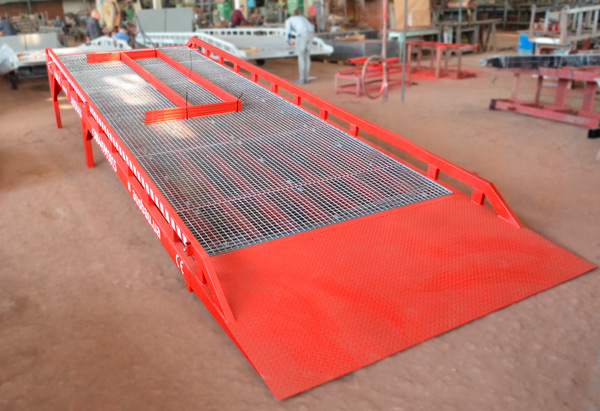 Le rampe di carico stazionarie AUSBAU-ST6